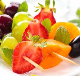 Brochettes de fruits dorées au miel facile diététique sucré gourmand mes recettes