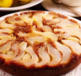 Gâteau yaourt, poires et chocolat