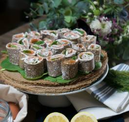 roulés de crêpes de sarrasin au saumon recette salée facile